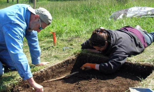 """archaeology photo from """"dig"""""""