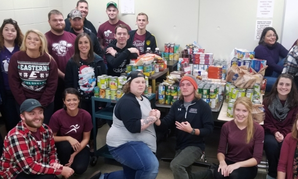 photo of students with collected food