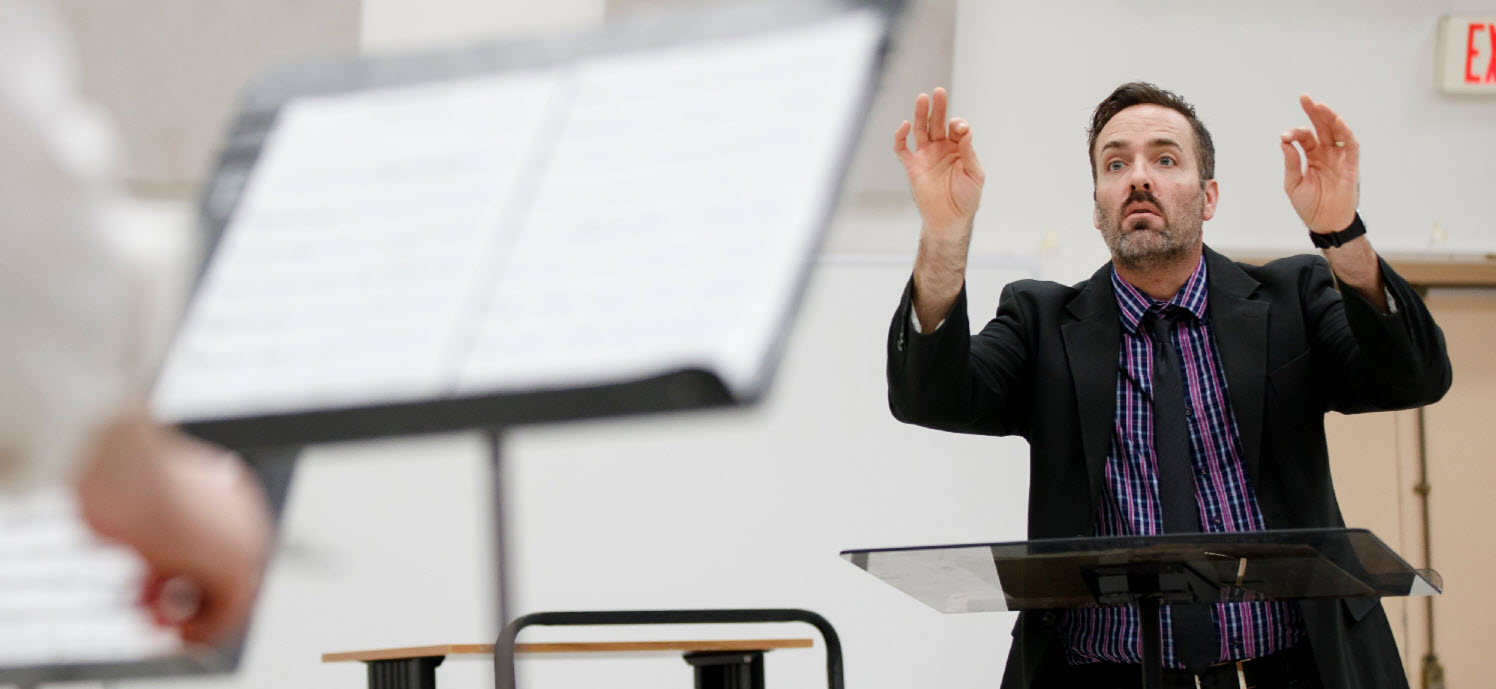 Jason Koontz conducting